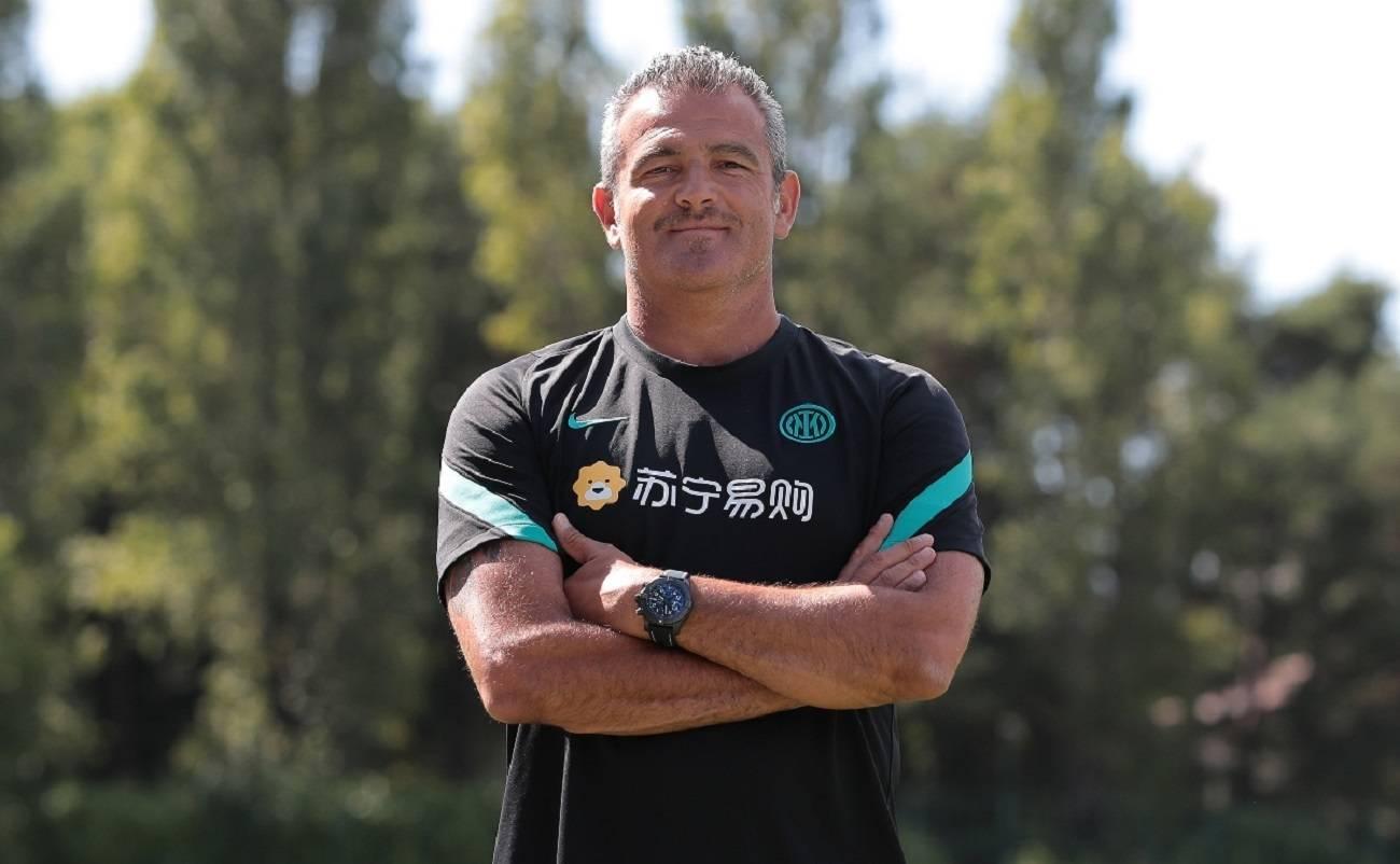 Massimiliano Farris, chi è il secondo allenatore dell'Inter: età, moglie e stipendio